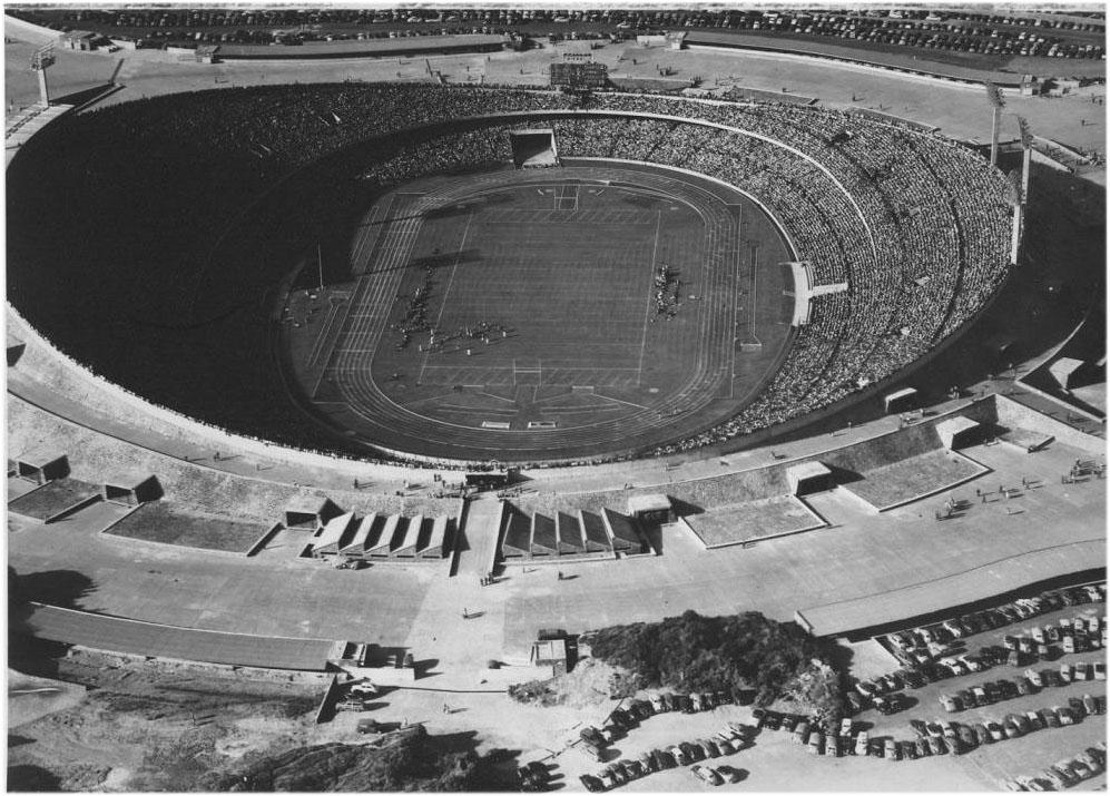 Resultado de imagen para estadio pumas inauguracion