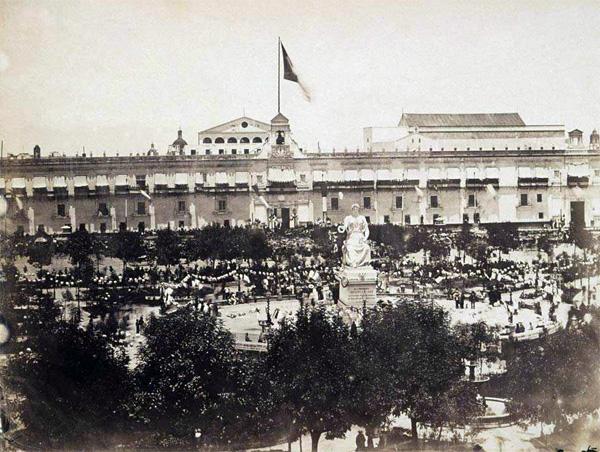http://www.mexicomaxico.org/zocalo/images/Zocalo1867a.jpg
